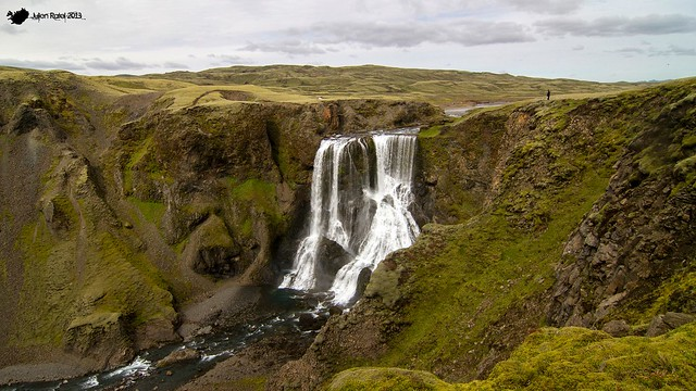 The beautiful Fagrifoss on the way to Lakagígar (and her human scale)