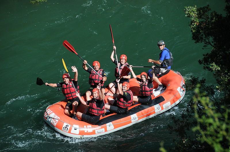 Empezamos el descenso de rafting, en Llavorsí.