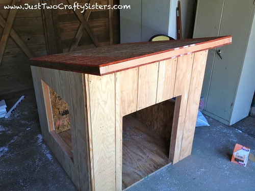 The most amazing air conditioned dog house just two for How to build an air conditioned dog house