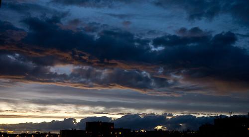 ...et les nuages savent se peindre joliment... - 4 photos sur 6 déposées aujourd'hui.... by ime-imisa .....