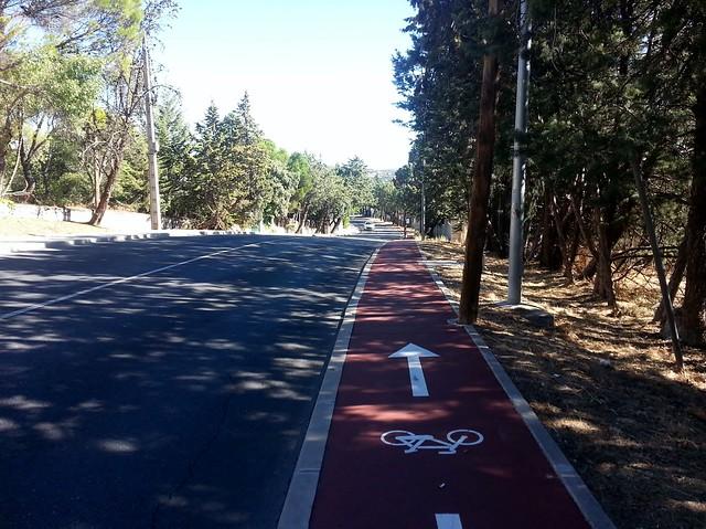 Carril bici en Av. del Pardo, en Las Matas