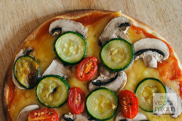 Pizza Vegana de Vegetales y Queso