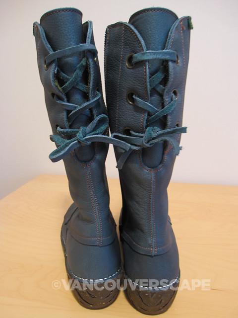 El Naturalista Yggdrasil boot-3