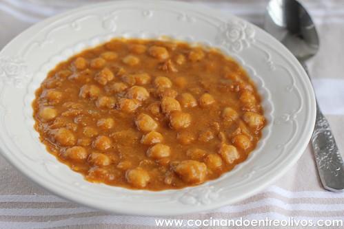 Potaje de garbanzos y calabaza www.cocinandoentreolivos (1)