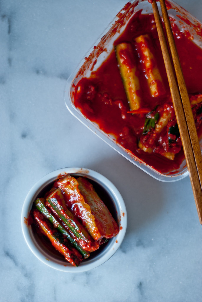 "Homemade mak (""easy"") kimchi - Two Red Bowls"