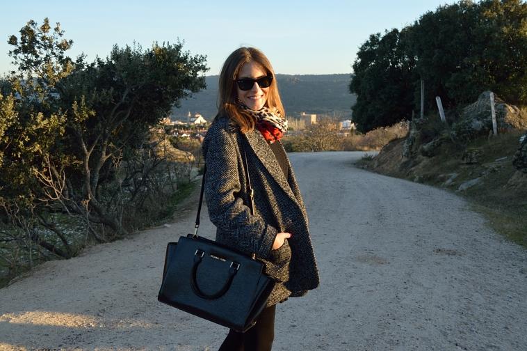 lara-vazquez-madlula-style-blog-fashion-negro-look-michael-kors-bag