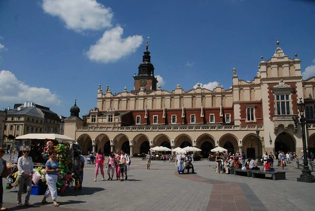 Krakow Square by CC user shearings on Flickr