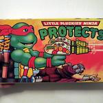 Little Pluckies Ninja Protects knockoff TMNT gun toy 2