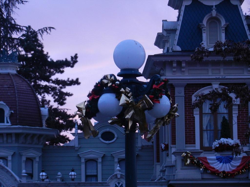 Un séjour pour la Noël à Disneyland et au Royaume d'Arendelle.... - Page 4 13696060373_54e49e8504_b