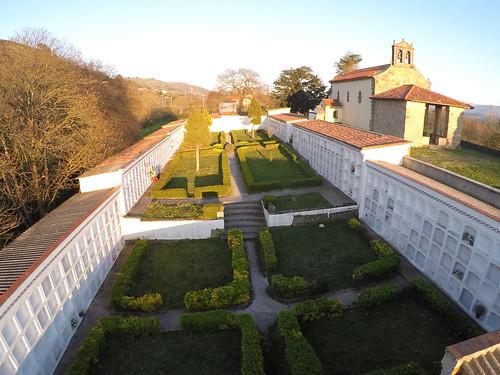 Cementerio Vega Sariego