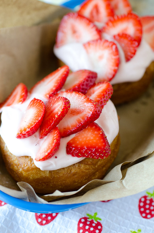 Strawberry Cream Donuts