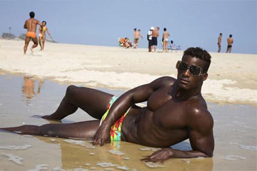 Martin Parr life-s-a-beach-martin-parr-1_blog-1_storm_6