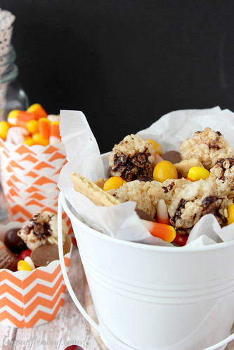 Fall Rice Krispie Treat Snack Mix from Beyond Frosting #ricekrispetreat