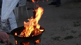 nach Art der Wilden Feuer zu machen 0129