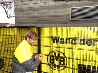 Wand der Liebe (PUMA/BVB): Jürgen Klopp und sein Liebesschloss