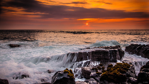 ocean sunset sea sky cloud sun sunlight water clouds canon hawaii us waves unitedstates dusk unitedstatesofamerica wave sunny spray shore 5d bigisland canoneos kona crashing seaspray kailua crashingwaves kailuakona oceanspray crashingwave canoneos5dmarkii 5dmarkii canon5dmark2 canon5dmk2 5dmk2 5dmark2