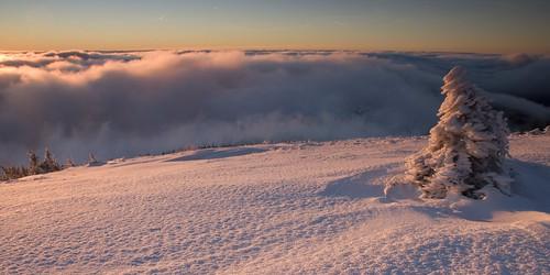 winter snow mountains zima kotel hory krkonoše sníh