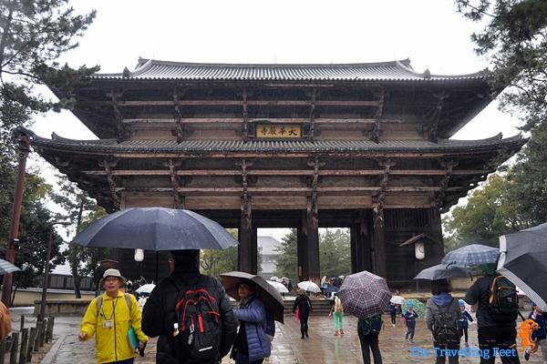 the Nandaimon Gate