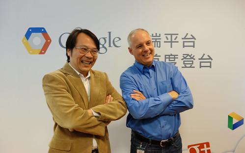 Google台灣董事總經理簡立峰與Google雲端平台營運總監Daniel Powers