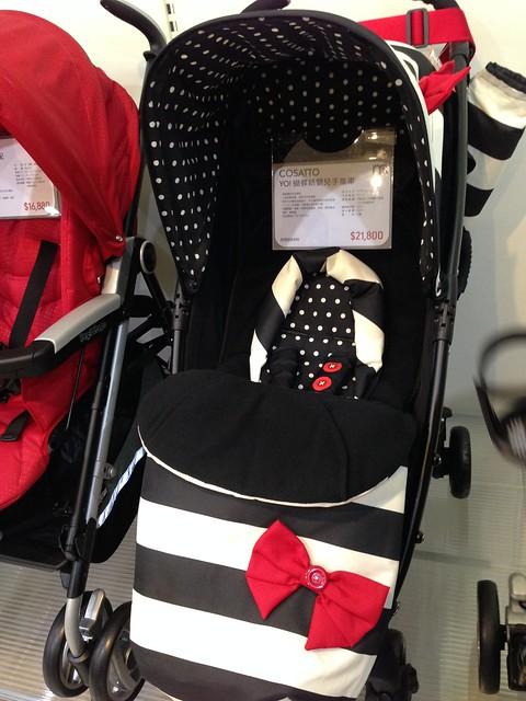 這款推車好可愛(這位媽媽完全沒在注意功能)@mothercare敦南旗鑑店大採購