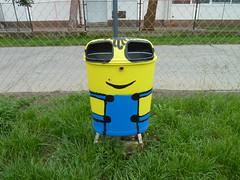 Minion rubbish bin