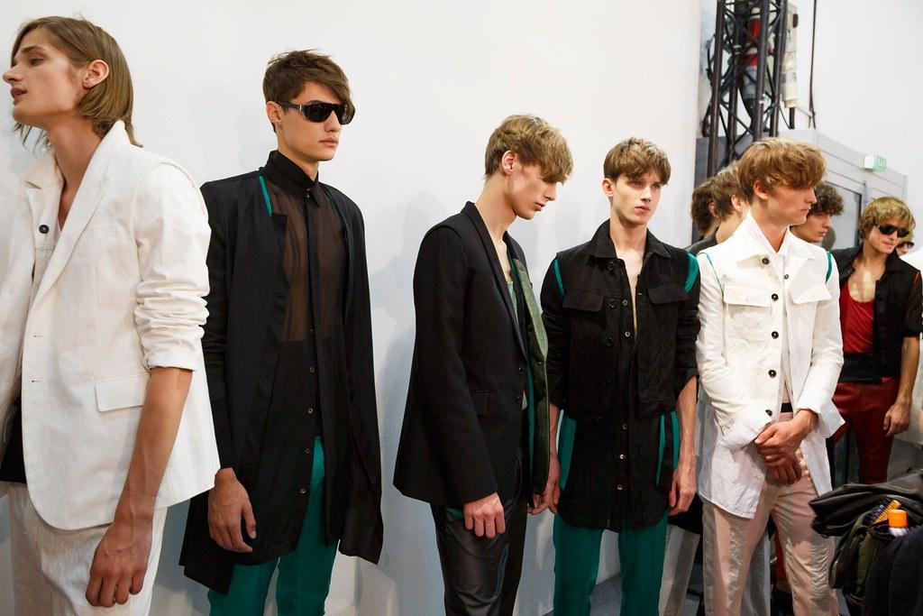Yulian Antukh(Antuh)3205_SS16 Paris Ann Demeulemeester(fashionising.com)