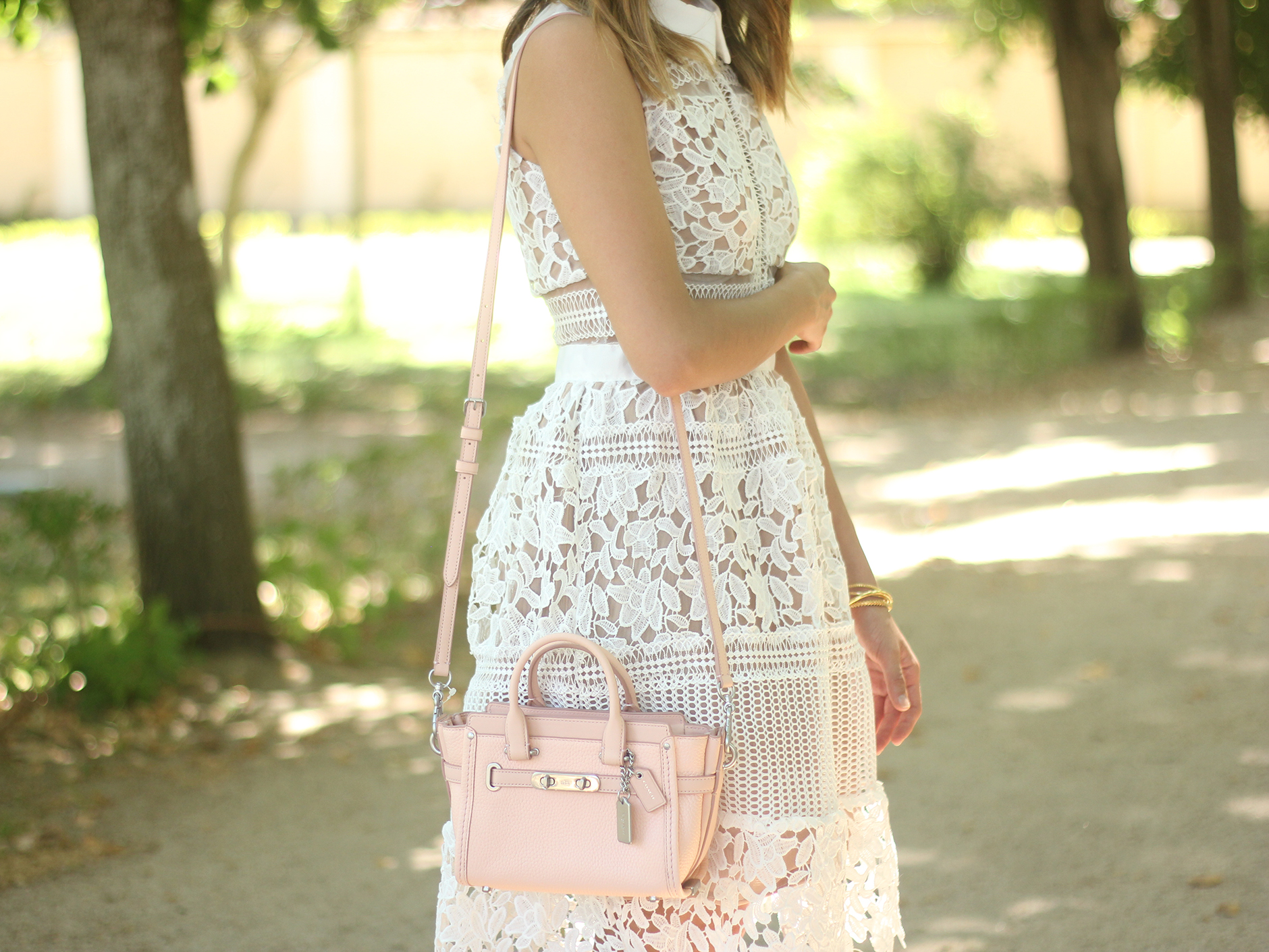 white lace dress summer outfit carolina herrera heels coach bag dior sunnies13