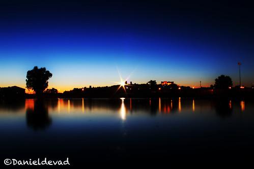 light sunset españa lake reflection luz lamp silhouette night canon landscape lago star noche town spain artistic dusk creative paisaje fallen reflejo flare lampara silueta estrella anochecer trujillo extremadura caceres danieldelgado danieldevad danieldelgadophotography