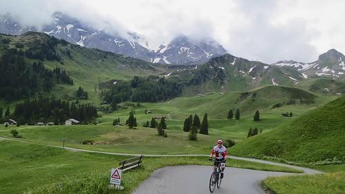 Road to Hahnenmoospass