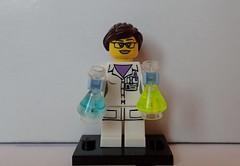 LegoS11_Female_Scientist