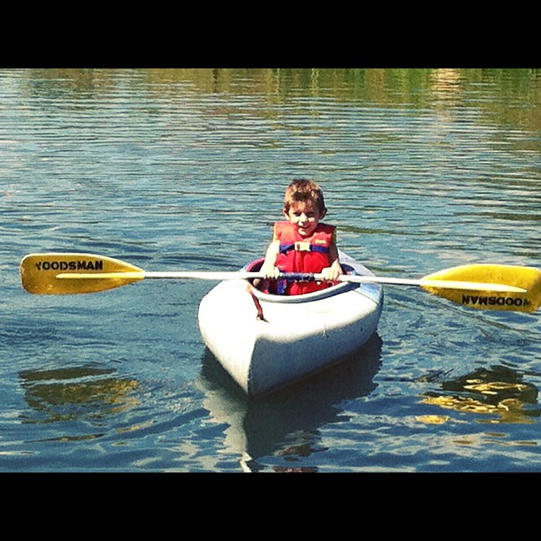 This kid appears to be a natural born kayaker. #sir_o