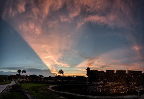 pink blue sunset sky panorama usa cloud color tree weather sign architecture landscape cityscape florida fort dusk path military palm manmade features sunbeam staugustine armedforces