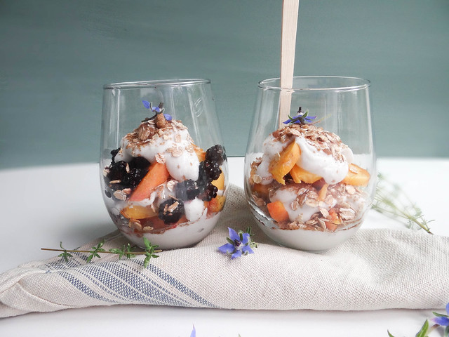 blackberry peach parfaits