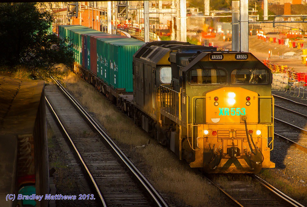 XR553-G542 with #9305 down Tocumwal freight at West Footscray (27/8/2013) by Bradley Matthews