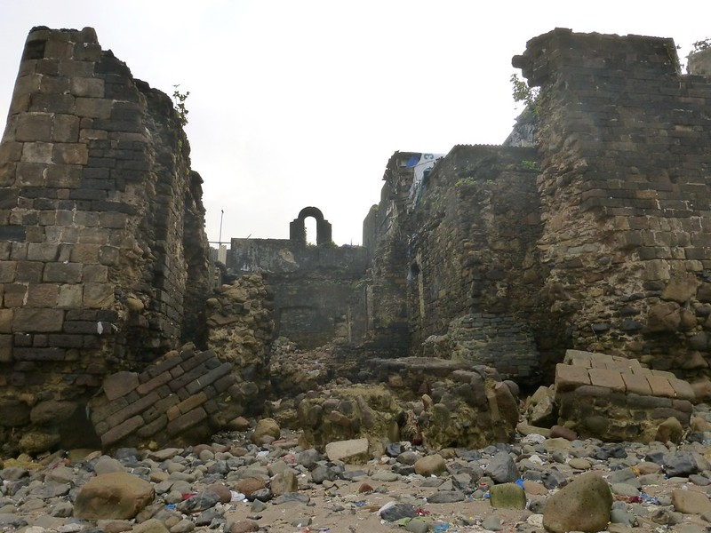 Mahim Fort - disintegrating fortifications