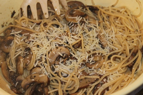 Pasta with Mushrooms and Garlic