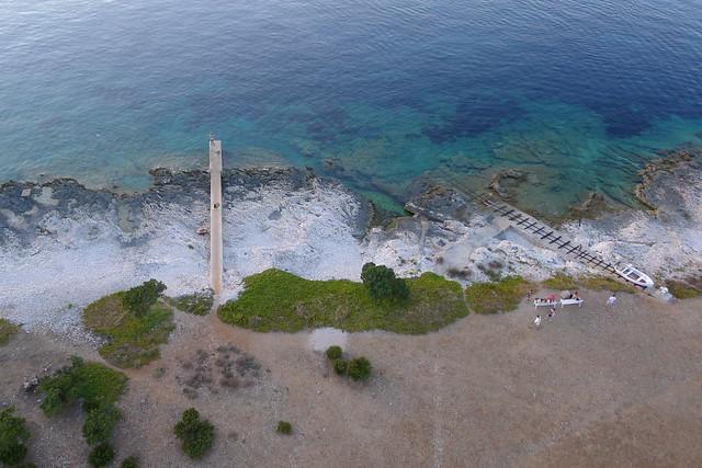 The Lighthouse, Veli Rat