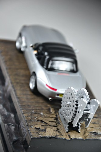 The Official James Bond car collection  #1 BMW Z8 The World is Not Enough