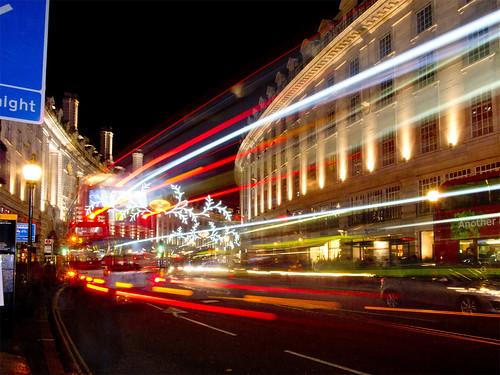 christmas uk nightphotography london unitedkingdom piccadilly regentstreet kerstmis londen kerstverlichting citynightscape availablelightphotography nightcityscape mygearandme