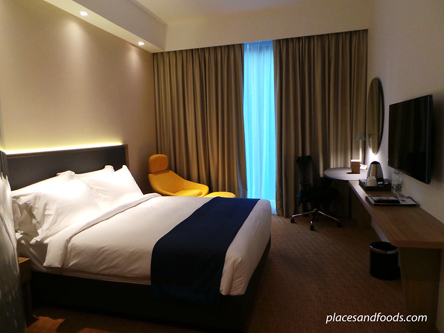 holiday inn express orchard road singapore room