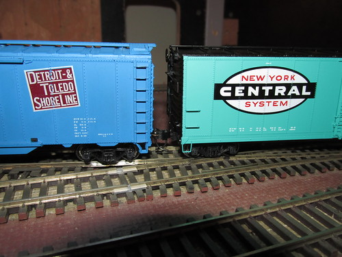 H.O Scale models of North American 1950's and 60's era box cars from the Detroit & Toledo Shore Line and the New York Central railroads. by Eddie from Chicago