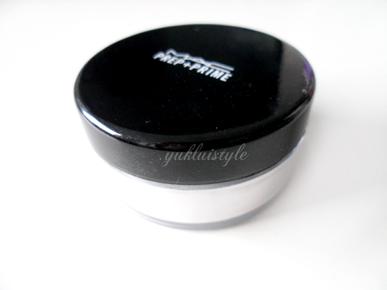 MAC Prep + Prime Transparent Finishing Powder review and swatch