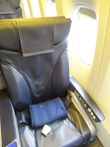 B777-200 1A座席