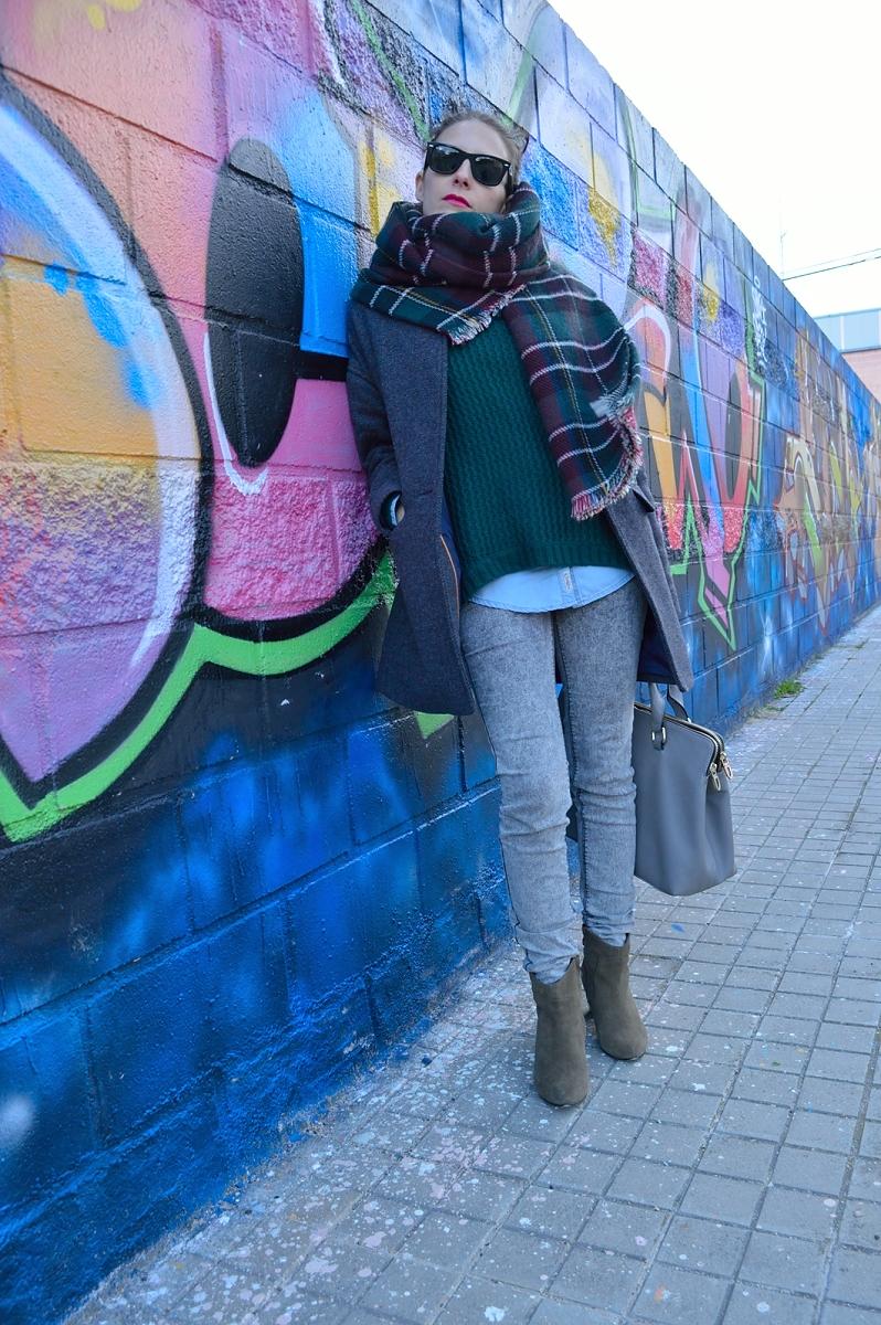 lara-vazquez-madlula-blog-green-grey-outfit-winter