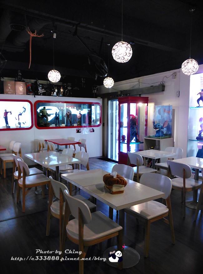 02-5_異想空間_公仔主題餐廳