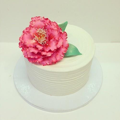 Peony sugar flower birthday cake #polkadotscupcakefactory