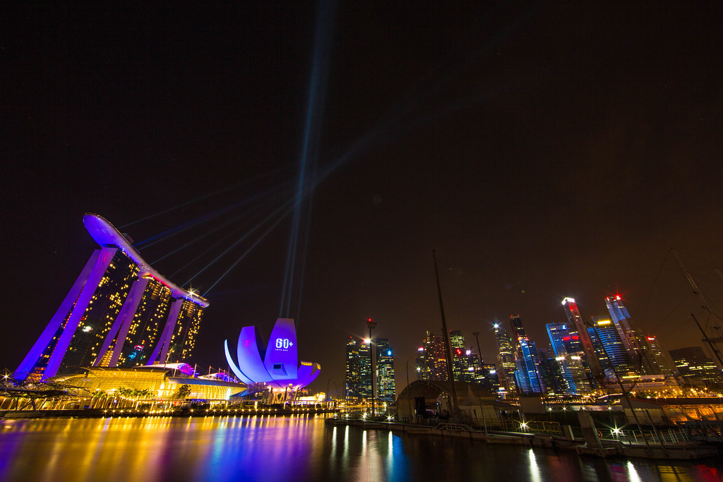 The Amazing Spider-Man 2 Meriahkan Earth Hour Singapura