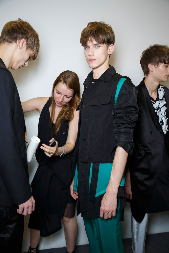 Yulian Antukh(Antuh)3202_SS16 Paris Ann Demeulemeester(fashionising.com)