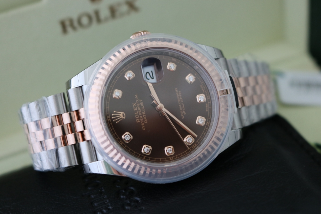 Đồng hồ Rolex Datejust 6 số 126331 – Đè mi vàng hồng 18k – Mặt socola – size 41mm