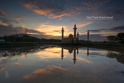 sunrise singleexposure bukitjelutong sifoocom nurismailphotography nurismailmohammed nurismail masjidtengkuampuanjemaah masjidbukitjelutong